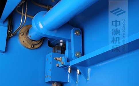 ZDPK-6325配有中德公司最新型扭轴同步装置,强度高,能调节,专利技术.jpg