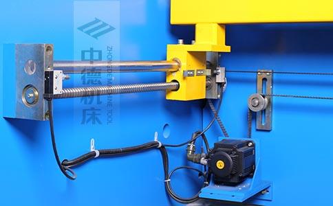 ZDPK-6325-X轴配有滚珠丝杆,伺服电机,钢丝同步带,能显著提升X轴定位精度及速度.jpg