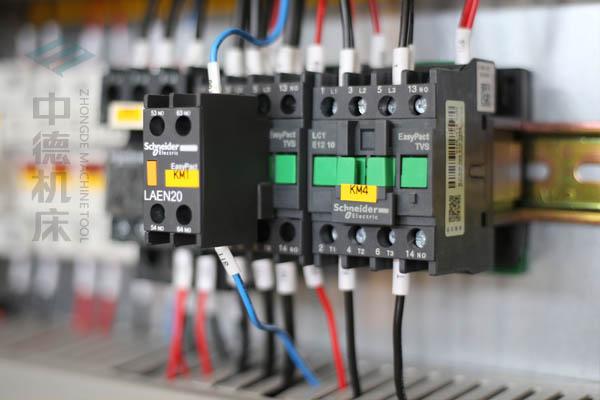 ZDP-12540采用法国进口施耐德元气件,稳定耐用寿命长-.jpg