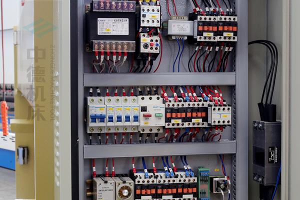 ZDG-632国产优质电气元件,抗干扰寿命长.jpg