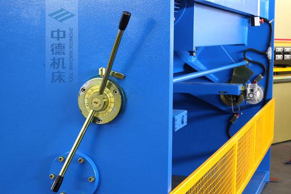 ZDSK-1632剪板机刀片间隙手动调节器,刻度清淅,调节省力又简便.jpg