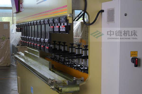 ZDPK-10032巨大开启高度专为制造不锈钢水槽而设计