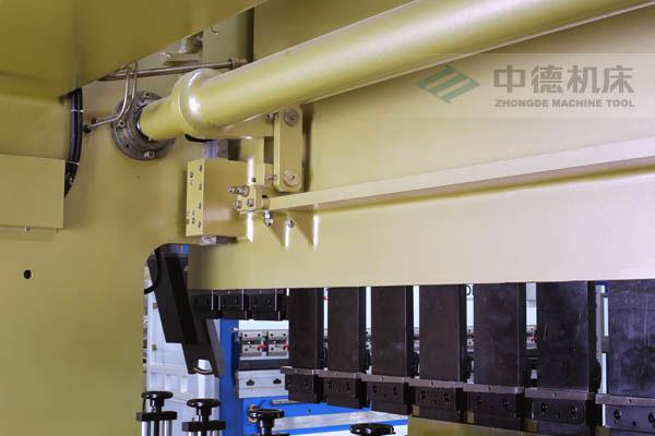 ZDPK-10032配有中德公司最新型扭轴同步装置,强度高,能调节,专利技术