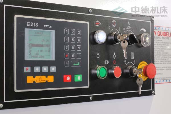 ZDS-2032E21数控系统.jpg