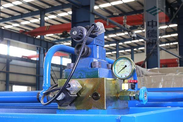 ZDS-1632采用国内高品质液压阀,不漏油,无故障,能实时显示油压,并采用全金属高压管连接保证质量.jpg