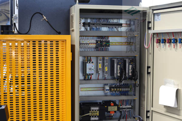 ZDPE10025-ESTUN原厂适配电气箱总成,抗干扰能力强,电气运行稳定.jpg