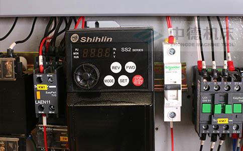 ZDS-432台湾高品质变频器,更低频更节能,快速定位.jpg