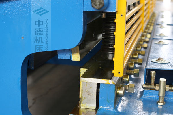 ZDS-632选用上海优质刀片,使用寿命更长.jpg