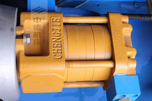 ZDPK-4015采用国内一流品牌电机及油泵,动力强劲,噪音低.jpg