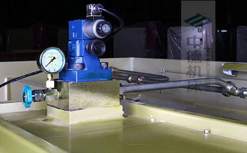 ZDS-1032采用国内高品质液压阀,不漏油,无故障,能实时显示油压,并采用全金属高压管连接保证质量.jpg